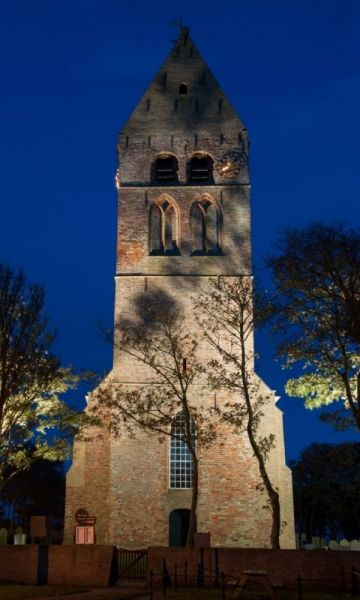 Toren-kerk-hollum-Middel